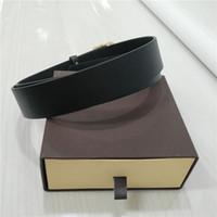 hediye için tasarım kutuları toptan satış-Tasarımcı Kemerleri Erkek Kemerleri için Tasarımcı Kemer Lüks Kemer Gerçek Hakiki Deri İş Kemerleri Kadın Orijinal Kutusu ile Büyük Altın Toka Hediye B02
