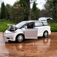 toyota electric al por mayor-1:32 Die Cast Modelo Cars Electric Flashing Pull back scale automóvil Alloy Vehicle gld3 Niños Juguetes 1/32 Toyota MPV Previa