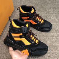 kaliteli yürüyüş botları toptan satış-Son Yürüyüş Ayak Bileği Çizme Erkek Lüks Tasarımcı Sneakers Klasik Yüksek Üst Sneakers En Kaliteli Trekking Botları Açık Dağ Tırmanma Ayakkabı