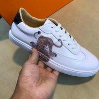 neue schuh europäische stile großhandel-Neue lederne Männer Schuhe beiläufige weiße Schuhe Europäische Station heiße flache Schuhe Designer klassische heiße Art