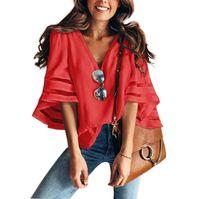 mesh women s clothing großhandel-Designer-T-Shirts der Frauenkleidungsfrauen lösen großes Ineinander greifen-Spleiß V-Ansatz Bell-Hülse Tropfenverschiffen der festen Spitzent-shirts