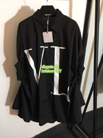 платье двух цветов оптовых-Негабаритных Женщин Нерегулярные Рубашки Письмо С Коротким Рукавом Высокого Класса Пользовательские Два Цвета Свободная Рубашка Блузка 2019