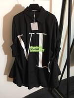 zwei farben frauen kleid groihandel-Übergroße Frauen Unregelmäßige Brief Shirt Kurzarm Kleid High-End-Benutzerdefinierte Zwei Farben Lose Hemdbluse 2019