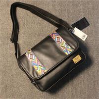 england haberci toptan satış-Toptan erkekler çanta Japonya ve Güney Kore eğilim deri Messenger çanta rahat retro çizgili erkekler çanta İngiltere Şerit deri messenger çanta