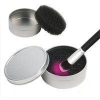 макияж кисти круглый футляр оптовых-1pc Portable Round Sponge Brush Cosmetic Cleaner Iron Box For Eye Lip Face Makeup Brush Dust Powder Cleaning Remover Clean Case