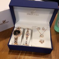 collier bracelets perle accessoires achat en gros de-Designer Watch Set Swan Ensemble De Bijoux Swan Watch Perle Bracelet Collier Boucles D'oreilles Bague 19 Accessoires De Mode De Luxe Ensemble