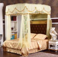 camas king românticas venda por atacado-Estilo Tribunal amarelo Romântico Lace Três-porta mosquiteiro Ter moldura completa Rainha King Size Casa Decoração conjunto de cama