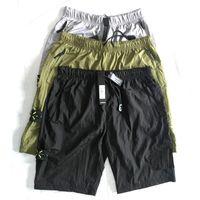 maiô homens venda por atacado-19ss Europeu marca quente retro calções casuais praia calças de suor para mens calças de metal importado de nylon confortáveis amantes de rua calças coxa