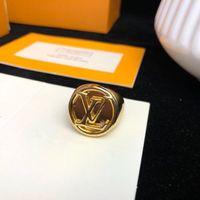 große blaue blumentöpfe großhandel-Luxus-Monogramm-klassisches Designer-Kupfer mit 18 Karat Gold überzogenem Alpphabet-Buchstaben-rundem Charme-Ring für Frauen-Schmuck