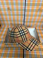 Wholesale women cloches for sale - Group buy 2019 Top Quality Celebrity design Letter Berets Cap Ball Caps Men Woman Cloches Stingy Brim Hats Visors Vintage