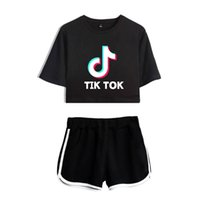hip hop şortlu gömlek kızları toptan satış-Bayanlar / Kızlar TIK Tok Baskılı T-Shirt Müzik Video App Logo Kırpma Üst Şort ile Hip Hop Streetwear Pijama Setleri Pamuk Kısa Kollu T-Shirt
