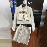 mini saia elegante venda por atacado-2019 Inverno Elegante Tweed Suit Set Mulheres Bow Botões Curto Casaco + Cintura Alta Borla Mini Saia Dois Conjuntos de Peças do Sexo Feminino Jc2732