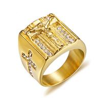 jóias de cor religiosa venda por atacado-Luxo Cristal Jesus Cruz Catolicismo Anel Para Homens Ouro-cor Aço Inoxidável Religiosa Oração Jóias RC-399GMG