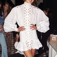 siyah dantel beyaz yakalı elbise toptan satış-Kadınlar Için lüks Tasarımcı Elbise Pist Seksi Standı Yaka Hollow Out Puf Kollu Ruffles Dantel Mini Elbise Siyah Beyaz