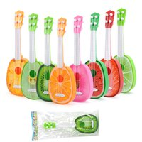 mini brinquedo de guitarra venda por atacado-Mini Frutas Crianças Brinquedos Sacos de OPP Simulação Ukulele Abacaxi Jogável ABS Guitarra De Plástico Brinquedo Venda Quente 3 5zz M1 E1