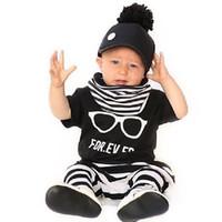 ingrosso vestiti del bambino per la vendita-ToddlerTwinset Occhiali stampa manica corta 0-2 anni Lovely Stripe Suit vendita calda neonato vestiti per bambini insieme dei cartoni animati graffiti