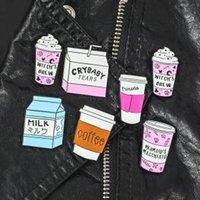 kahve giyim toptan satış-Serin Kahve Fincanı Süt Broş Pin Emaye Rozet Yaka Giyim Takı Dekor parti favor çocuklar hediye Giyim karikatür Dekor FFA1591