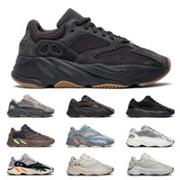 heiße mode schuhe großhandel-2019 Hot yeezy boost 700 v2 Wave Runner kanye west 3m reflective men women running shoes Utility Black Tephra Inertia static mens trainers fashion sports sneakers