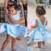 mavi yürümeye başlayan çocuk cupcake pageant elbiseler toptan satış-Gökyüzü Mavi Kısa Çiçek Kız Elbise Aplike Katmanlı Kızlar Parti Toddler Pageant Bebek Doğum Günü Törenlerinde Çocuklar Cupcake İlk Communion Elbise