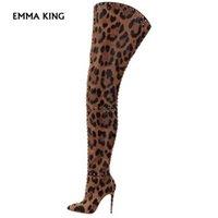 botas hasta la rodilla con estampado de leopardo al por mayor-Gamuza con estampado de leopardo sobre los cargadores de la rodilla de las nuevas mujeres muslo altos remaches de los cargadores de la cremallera tachonado zapatos punta estrecha invierno mujeres del tamaño grande
