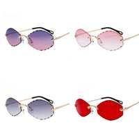 Wholesale diamond trim for sale - Group buy Women Small Box Sunglasses Ins Street Pat Diamond Trimming Metal Goggle Purple Red Pink Fashion Bardian Glasses Hot Sale jtD1