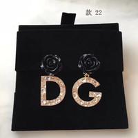 s ohrringe großhandel-Neue Frauen klassische Halbmond gebogene Diamanten Perle Stil Göttin muss CZ Ohrstecker Sterling Silber 925 Ohrringe für Frauen