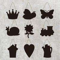 ingrosso lavagna a farfalla-Cartone appeso lavagna segno Mini legno doppio lato Lavagna ape farfalla lumaca corona multi tipo per bambini disegno