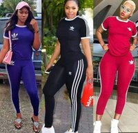 sıcak spor giyim toptan satış-kısa kollu 2 parçalı set eşofman gömlek pantolon koşu sportsuit kapşonlu get spor eşofman tayt sıcak klw2098 kıyafetler Womens