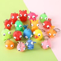 keychain bonito venda por atacado-Bonito Burst Eye Doll Chaveiro mini 5 cm Brinquedos Descompressão Engraçado Animal Forma Squeeze Keychain Toy Hot Sale