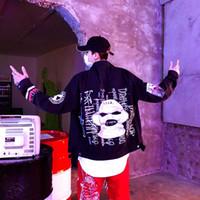calças de brim do hip hop dos homens venda por atacado-Be.YuMiao Carta Impressão Denim Jacket Mens Hip Hop Listras Reflexivas Jaqueta Jeans Casaco Homens Mulheres Moda Streetwear Roupas