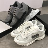 weiße spitzennylons großhandel-Designer-PVC-Sneakers aus dem Jahr 2019 aus schwarzem Wildleder Kalbsleder-Sneaker aus Nylon-Lammfell-Laufschuhen in Gelb-Rosa