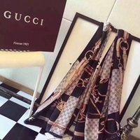 nuevos diseños bufandas al por mayor-Nuevo 2019 Buena calidad Diseño europeo clásico Marcas de mujer Imprimir bufanda de seda Elegantes damas Envolver bufandas tamaño 180x90cm envío gratis