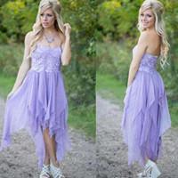 kısa askısız mor gelinlik elbiseleri toptan satış-Basit Işık Mor Straplez LAce Ile Kısa Gelinlik Modelleri şifon Diz Boyu Ülke Düğün Konuk Elbiseleri