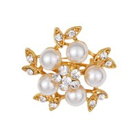 broche de ouro bling venda por atacado-New Diamond Designer Broches de Bling Bling Broche de Cristal Pinos Broche de Pérolas Jóias para Mulheres Presente de Prata de Ouro