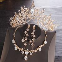 gelin kronları taç seti toptan satış-Altın Gelin taçlar Tiaras Saç Başlığı Kolye Küpe Aksesuarları Düğün Takı Setleri ucuz fiyat moda stil gelin 3 Parça