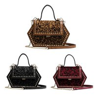 sexy kettenhandtaschen großhandel-Sexy Leopard Female Kleine Einkaufstasche 2018 New Velvet Damen Designer Handtasche Rivet Lock Kette Schulter Umhängetasche Z80