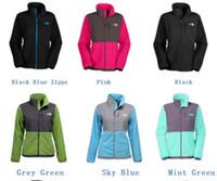 kaliteli polar ceketler toptan satış-Yüksek Kalite Kış Polar Ceketler Kadın Erkek Çocuklar Marka Kış Mont Açık Rahat Spor Sıcak SoftShell Bayanlar Spor