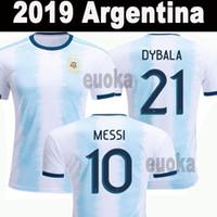 messi fincan toptan satış-2018 2019 Arjantin Futbol Formaları Copa Amerika Messi Dybala Aguero Futbol Camisa Altın Kupa Futbol Camisetas Gömlek Kiti Maillot Maglia
