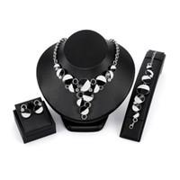 colares de brincos tibetanos venda por atacado-3 PÇS / SET Mulheres conjuntos de jóias Geométrica Contas Pingente de Colar Brincos Pulseira Set jóias tibetano para o sexo feminino jóias de luxo