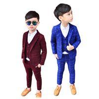 erkek takım elbise smokinleri toptan satış-Marka Çiçek Erkek Resmi Smokin Okul SuitNew 3 Adet Çocuklar Ekose Düğün Blazer Takım Çocuk Parti Elbise Giyim Seti Kostüm