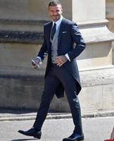 tek düğmeli groomsmen yelek toptan satış-2019 Yeni Düğün Smokin Tailmade Slim Fit Damat Giyim Custom Made Groomsmen Balo Parti Suits Giymek (Ceket + Pantolon + Yelek) Tek Düğme B03