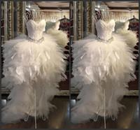 vestidos modernos de pena venda por atacado-2020 Hi Lo Tulle Branco A Linha Strapless Vestidos De Casamento Sweety De Luxo Praia Moderna Vestido De Noiva Vestido com Pena