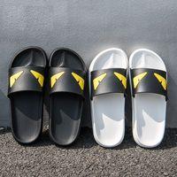 şeytan gözleri toptan satış-Sıcak Satış-Şeytan'ın göz terlik Tasarımcı Terlik Peşinde Saten Sandalet Kadın Erkek Marka Lüks Ayakkabı Rahat Moda Çevirme Terlik