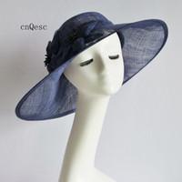 ingrosso cappelli ascot-2019 Grande fascinator nuziale blu scuro in cappello sinamay per Royal Ascot Races