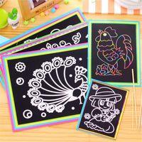 boya çubukları toptan satış-Çocuklar Oyuncak Renkli Çizim Oyuncaklar İçin Çizim Stick ile 10 adet / lot 17.5x12.5cm Çizilmeye Sanat Kağıdı Sihirli Boyama Kağıt