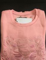 sudadera rosa de calidad al por mayor-Bordado tigre cabeza suéter hombre mujer de alta calidad de manga larga con cuello en O Jerseys Sudaderas con capucha suéter mejor calidad Rosa S-XXL