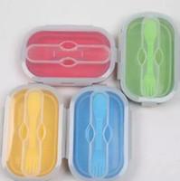 cajas de ensaladas al por mayor-Fiambrera plegable de silicona de 800 ml con tenedor Contenedor de comida Caja de Bento para acampar al aire libre Camping ecológico CCA10834 50 unids