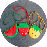 monederos en forma de fruta al por mayor-Diseñador Kids Bag Fruit Shape Messenger Bags Cartoon Niños Crossbody bolsa monedero lindo Piña fresa sandía 3 Diseños YW2101