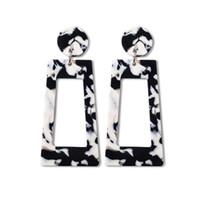 koreanisches neues produkt großhandel-Kreative neue Produktauflistung hochwertige Acryl Ohrringe Großhandel benutzerdefinierte koreanische Ohrringe Frauen niedlich Aussage Ohrringe