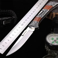 cuchillos recubiertos de titanio al por mayor-Táctico Plegable Revestimiento de titanio 440C Cuchillo de acero inoxidable Cuchilla de acero Cuchillos EDC al aire libre Caza de alta dureza Herramienta de supervivencia que acampa